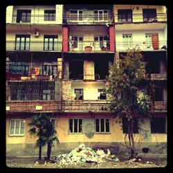 Apartment building (Romelia Calin, 2014)