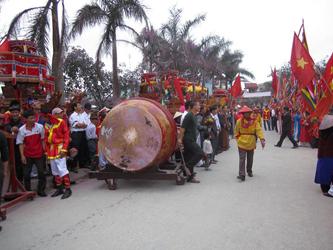Opening Ceremony (Lam Minh Chau, 2013)