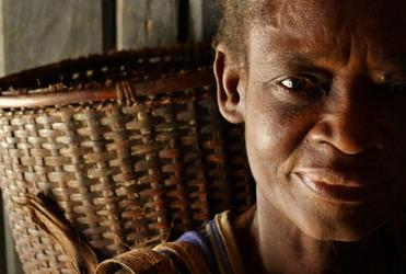 Mama Ngokonda (Lys Alcayna-Stevens, 2013)