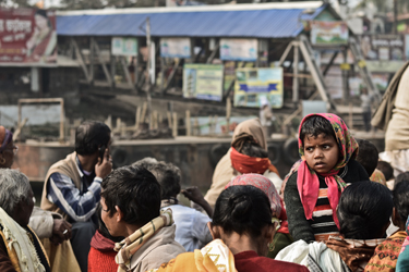 Taking the crowded ferry from Mayapur to Nabadwip (John Fahy, 2013)