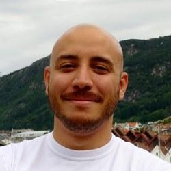 Dr Andrew  Sanchez