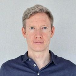 Dr Daniel  White