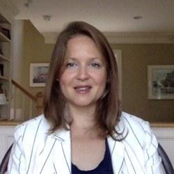 Dr Susan  MacDougall