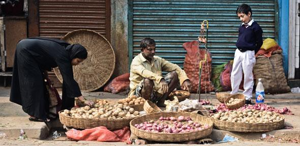2013 John Fahy : Micro Economics on the Street
