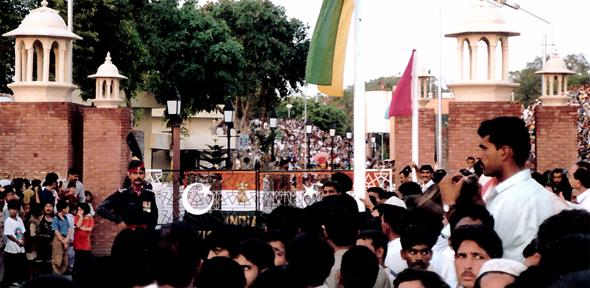 Crowds chanting on both sides of the Indo-Pakistan Wagah Border, Punjab